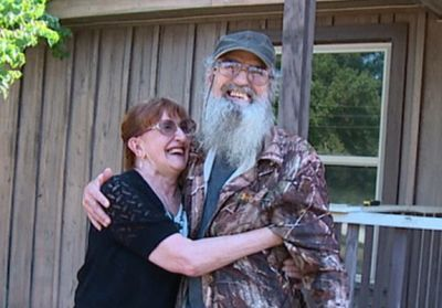 Uncle Si and her wife Christine Robertson