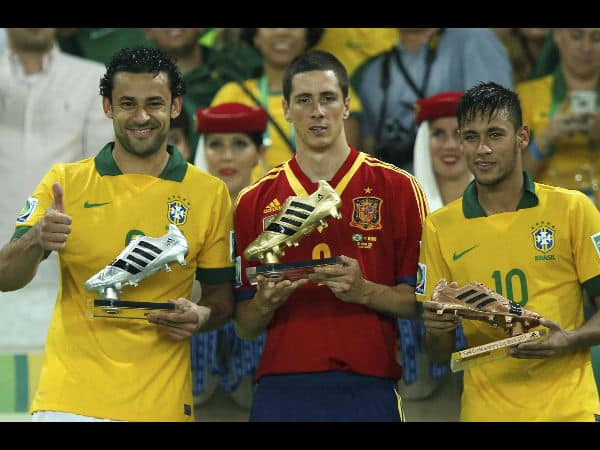 Neymar holding a valuable Bronze boot after the win.