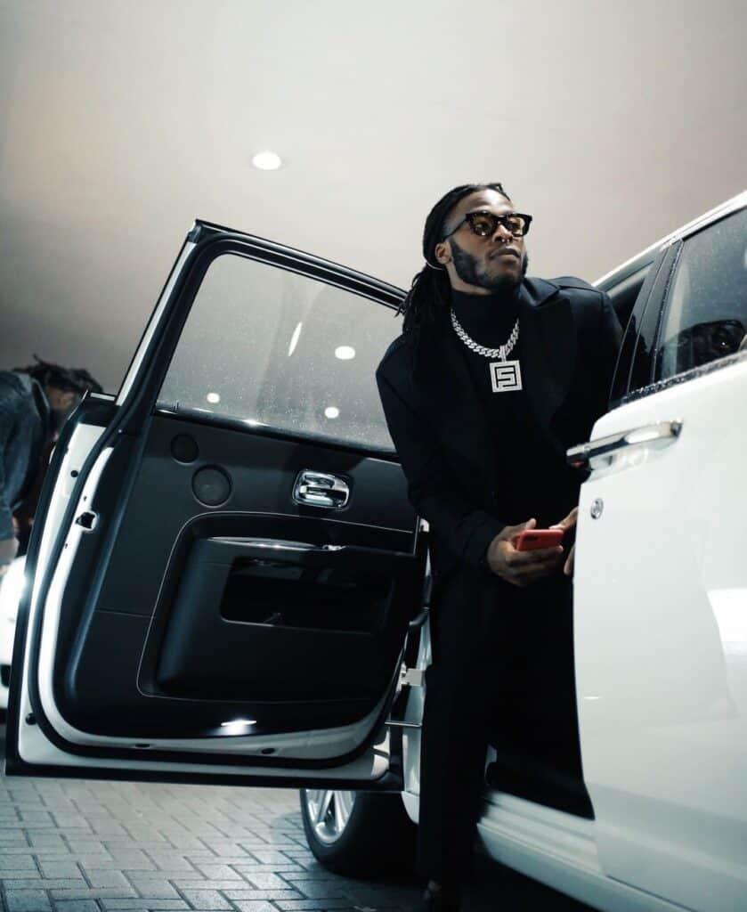 Alvin Kamara with his Rolls Royce