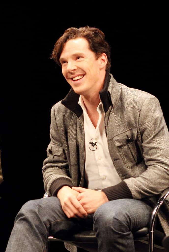 Benedict Cumberbatch poses in a talk show