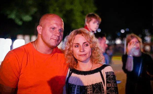 Fedor with his wife Oksana.