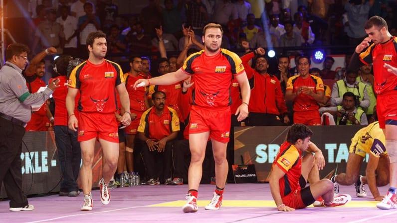 Manjeet playing for Bengaluru Bulls