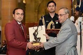 Manjeet recieving Arjuna Award in 2015