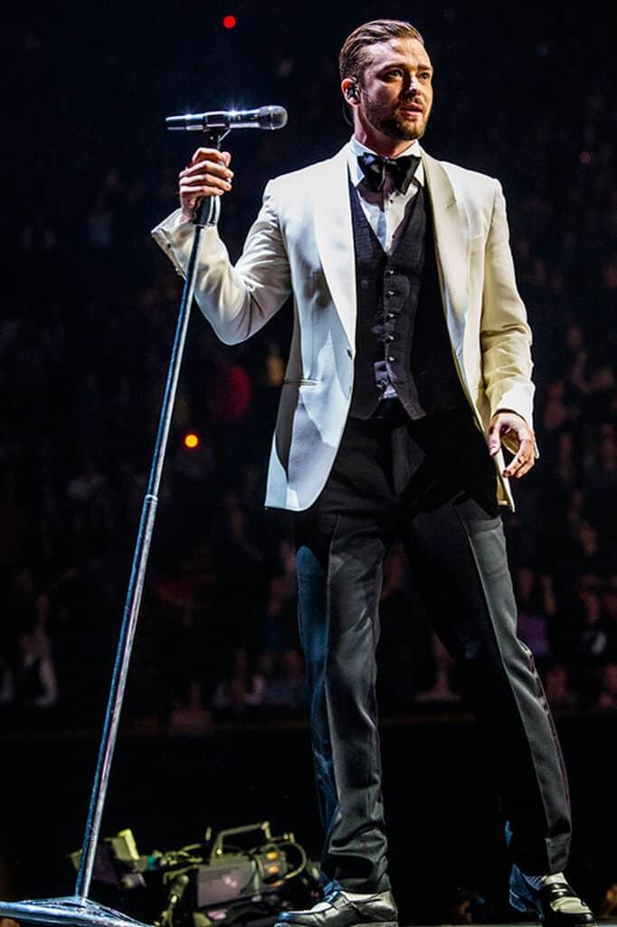 richest singers world