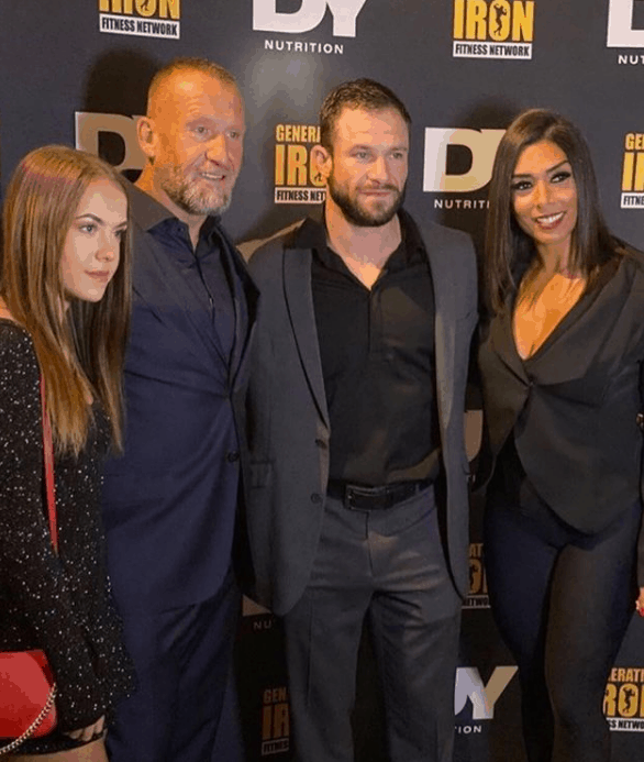 Dorian-Yates-with-his-Family-in-an-Event