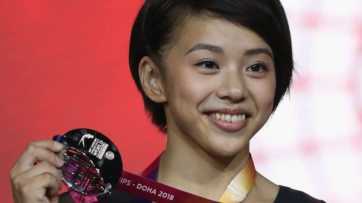 Mai Murakami showing her medal
