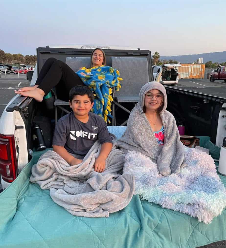 Jason Khalipa family trip.