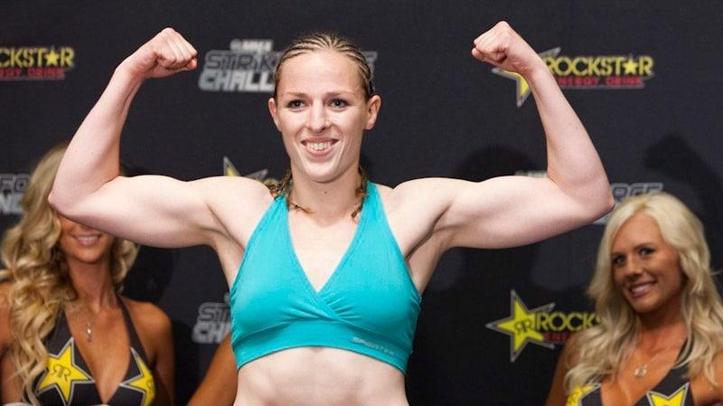 Sara Kaufman flexing her muscles