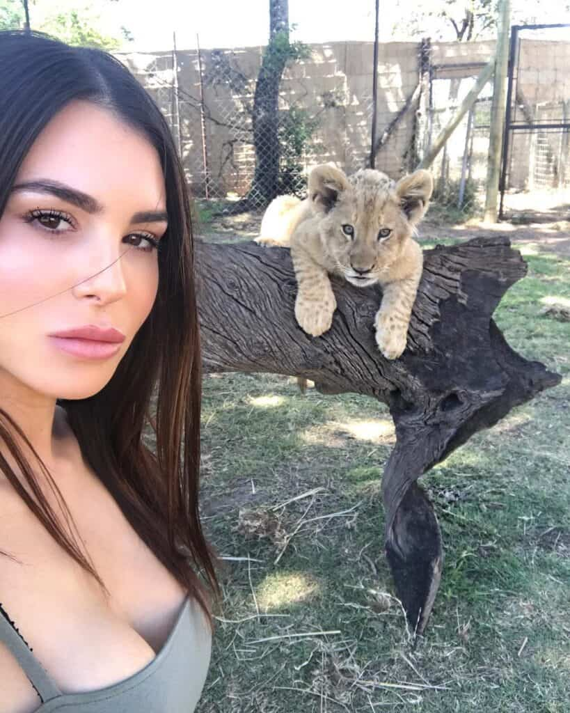 Silvia Caruso posted a picture with the baby lion on Instagram from Dec 13, 2017.