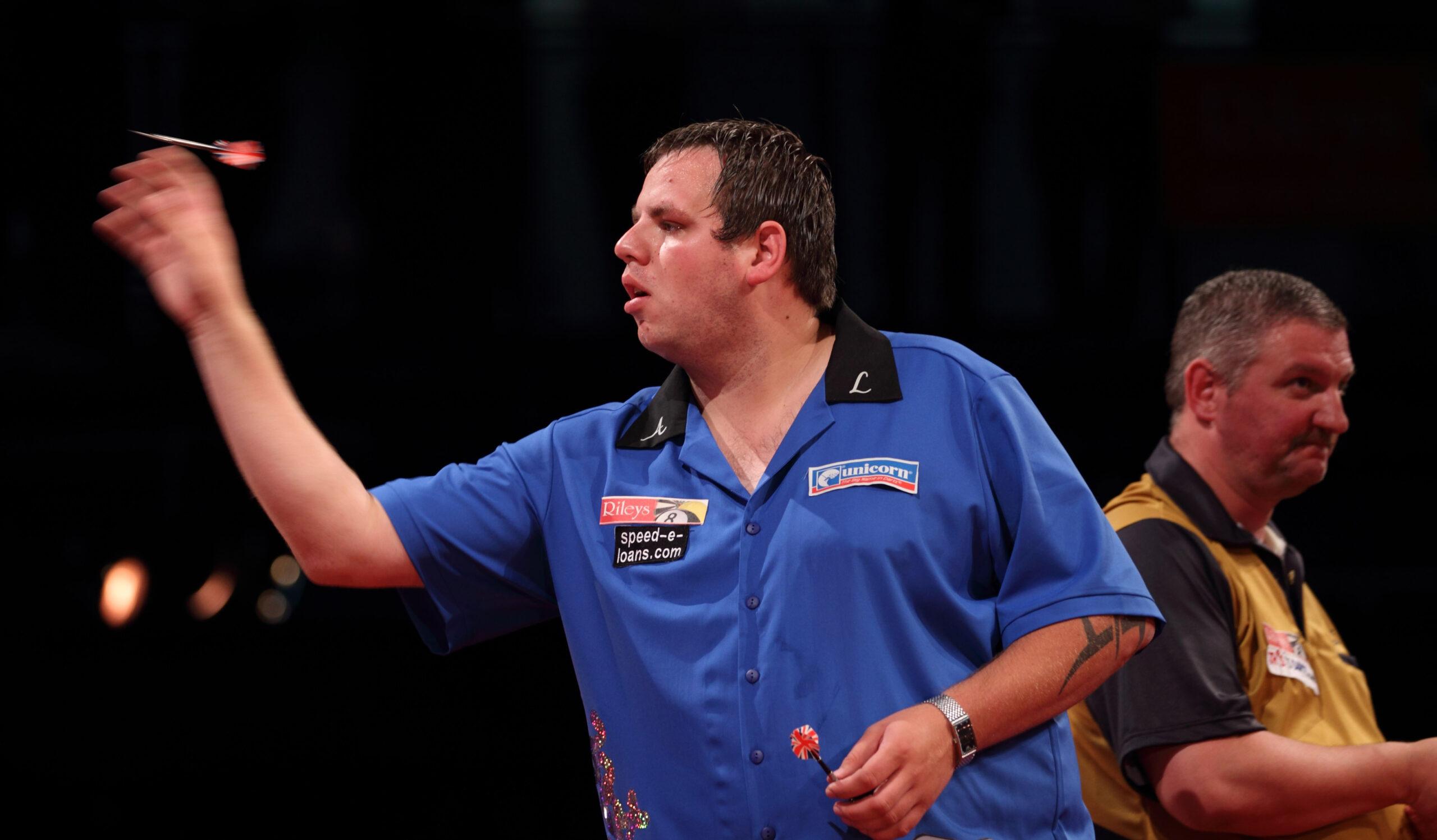 Adrian Lewis throwing darts