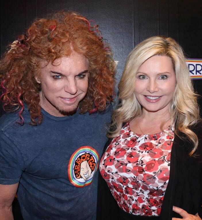 Carrot top with his fan.