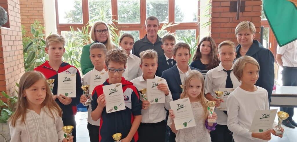 Tamas Darnyi and his swimming school kids.
