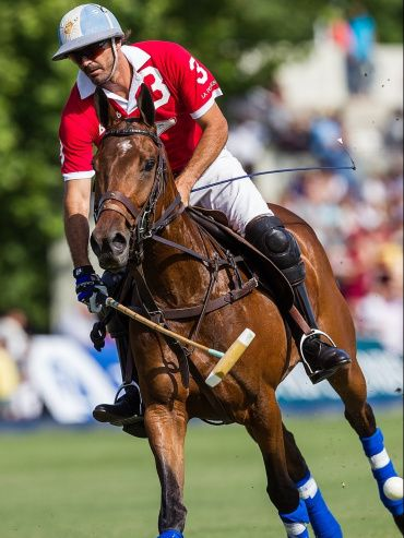Bautista Heguy during a polo match.